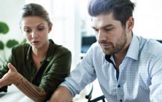 Conjoint travaillant dans l'entreprise: il faut le déclarer!