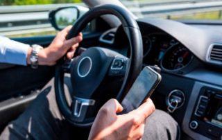 Téléphone au volant: attention au retrait de permis!