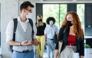 Le port obligatoire du masque au travail en cinq questions